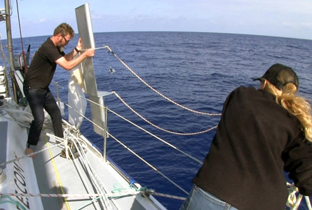 Deploying-the-Manta-Trawl
